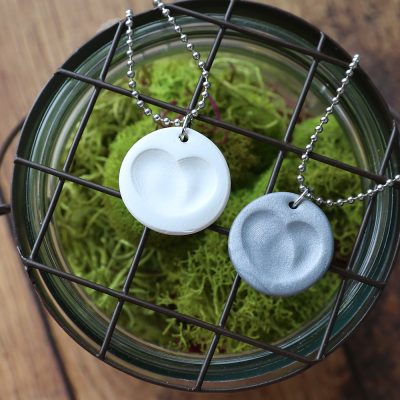 Make a pretty fingerprint necklace in minutes! DIY gift idea