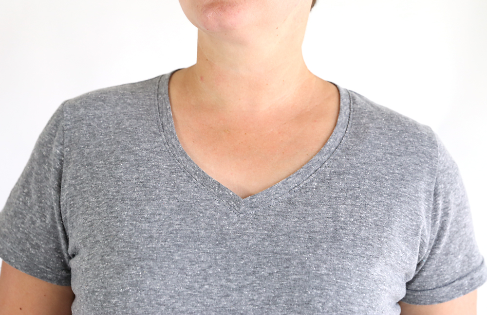 How to make a v-neck t-shirt. V-neck tee sewing pattern and tutorial.