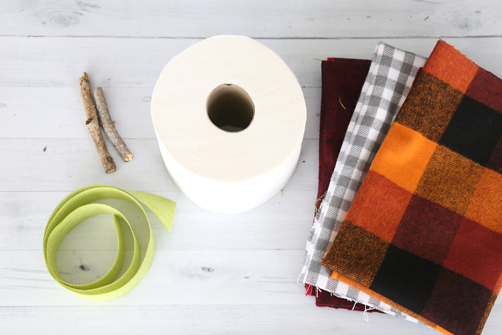 Toilet paper pumpkin | fun family crafts.