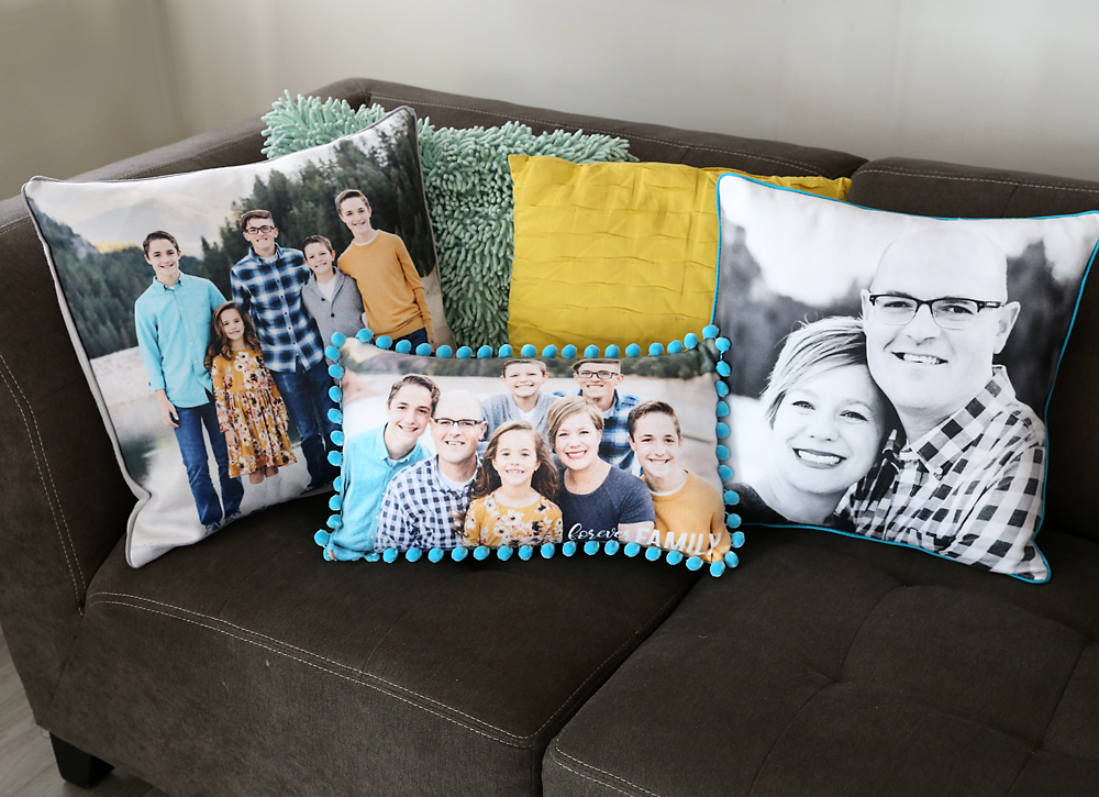 DIY personalized photo pillows - this would be a great Christmas gift!