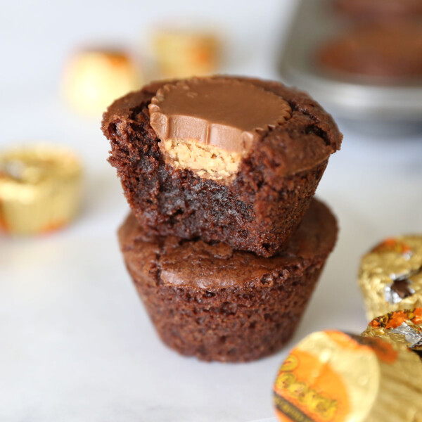 These peanut butter cup brownie bites are so easy to make and so delicious!