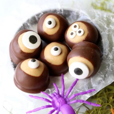 Peanut Butter Eyeballs {easy Halloween treat}