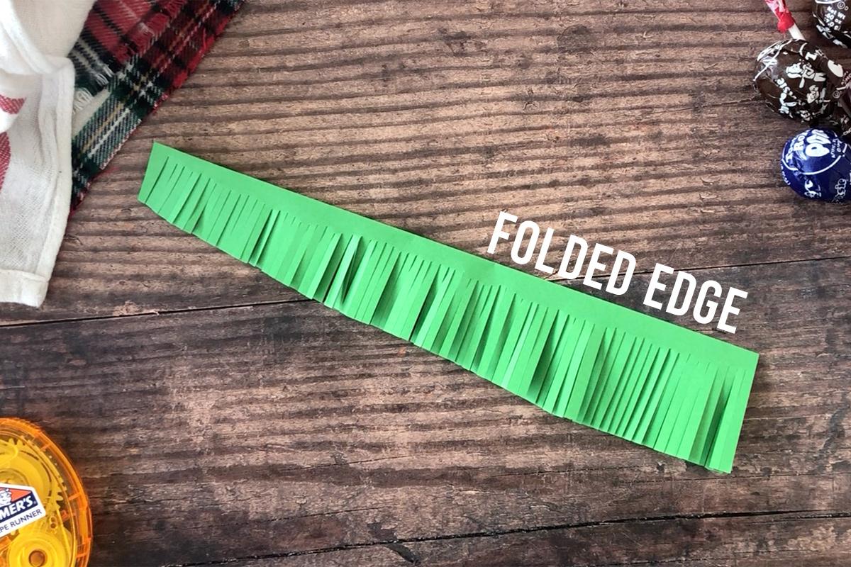 How to make Christmas tree sucker: fringe paper