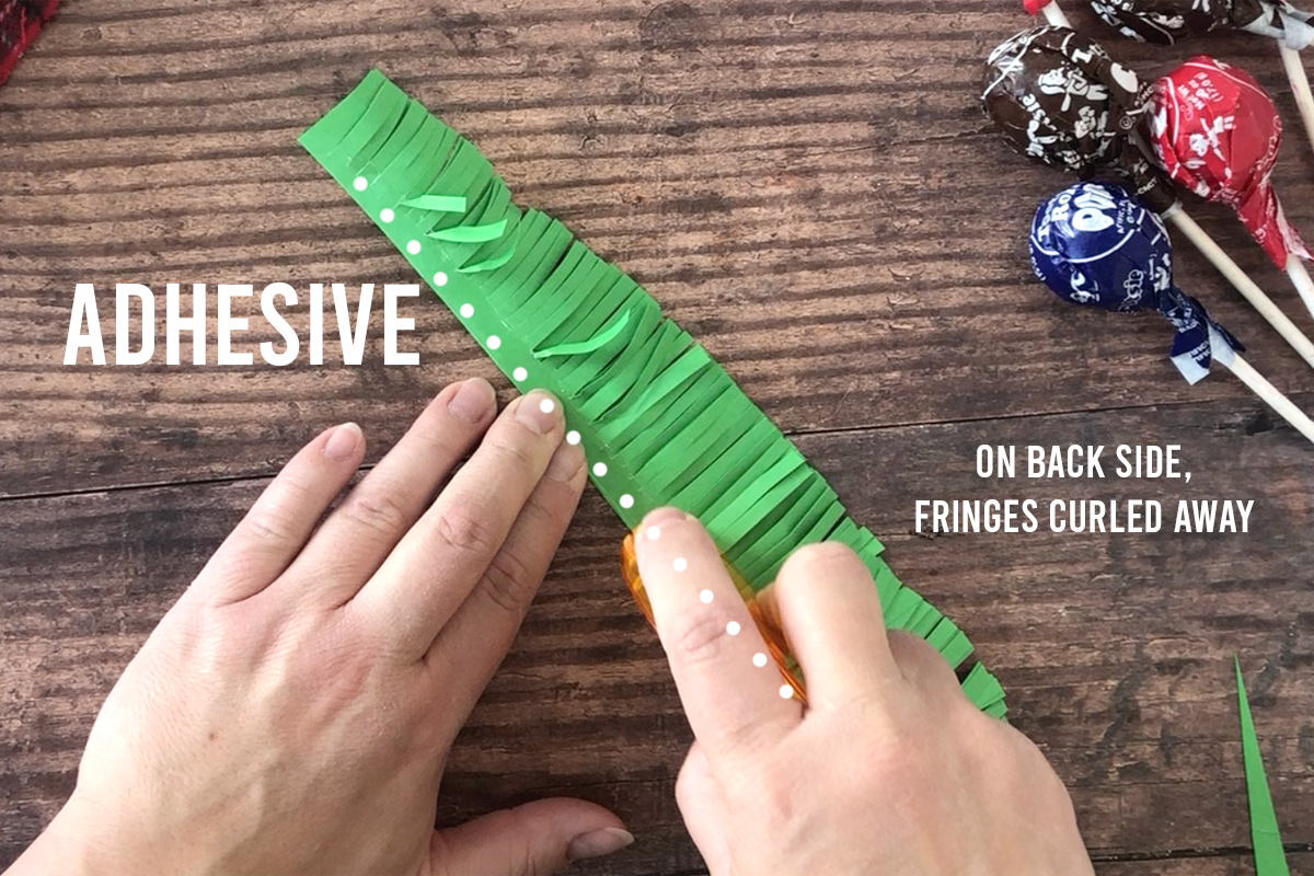 How to make Christmas tree sucker: add adhesive
