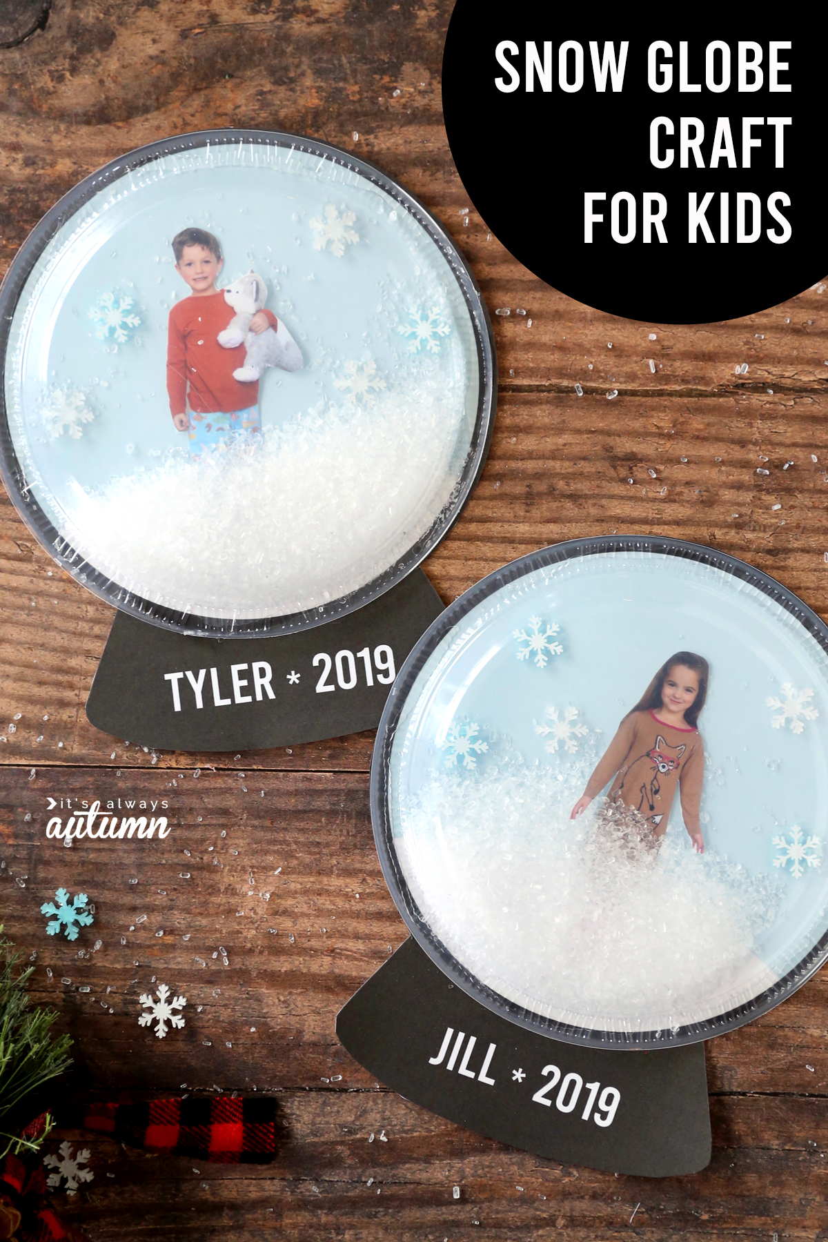 Cute photo snow globe craft for kids! Fun winter kids craft idea.