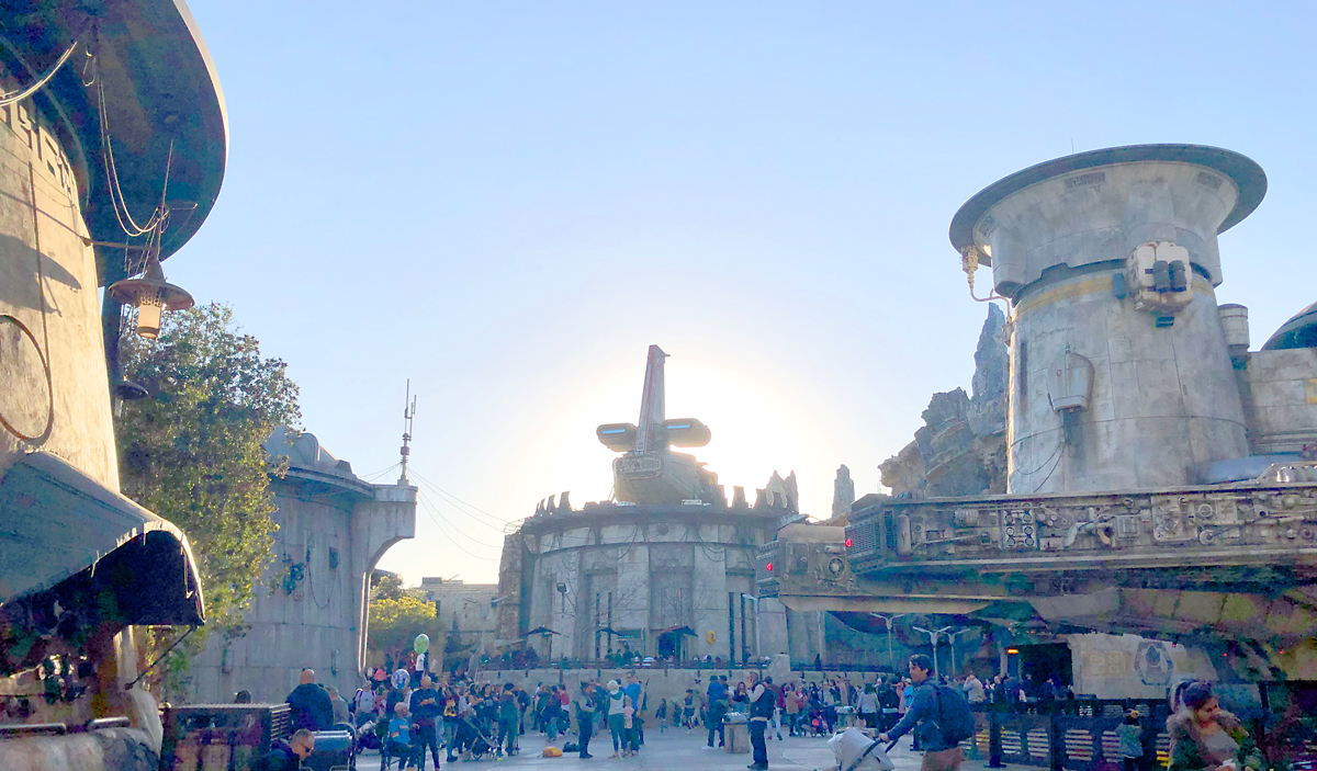 Galaxy's Edge in Disneyland