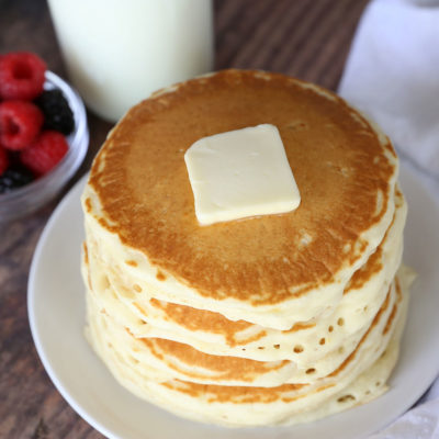How to make PERFECT Fluffy Pancakes {super easy recipe!}