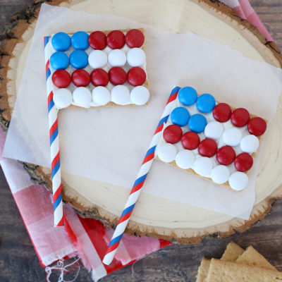 Graham Cracker Flags for the 4th of July